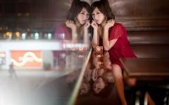 Beautiful Women At The Bar (12)