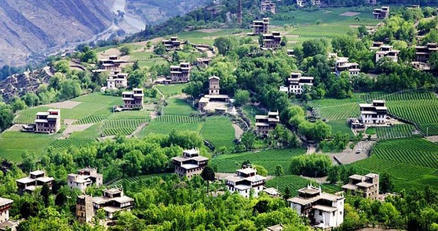 Most beautiful Ancient Towns-Ancient village on the shores of Kanas Lake