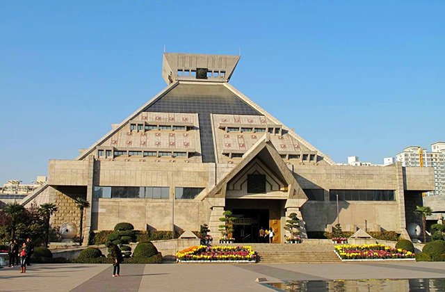 15 Famous Museums in China-Henan Museum