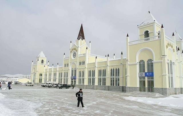 Top 10 Most Beautiful Railway Stations in China-Yabuli South Station