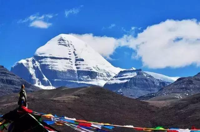 Top 10 Most Beautiful Snow Mountains in China-Gang Rinpoche