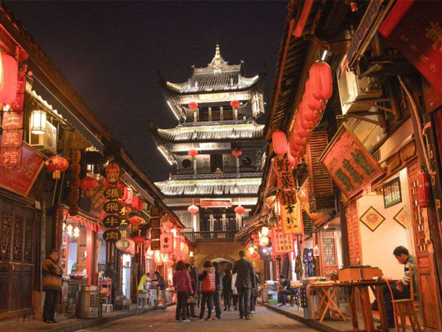 Top 10 Charming Ancient Towns in China_s