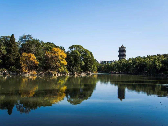Top 10 Beautiful Campus Lakes in China