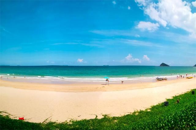 Top 10 Sea Sacred Places In China-Dapeng Peninsula Beach