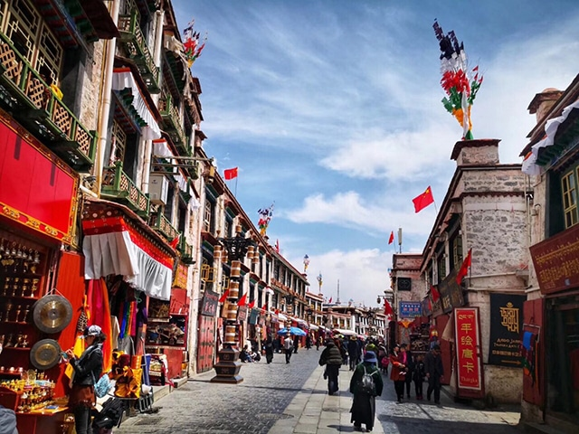 Top 10 Historical Streets in China-Lhasa Balong Street