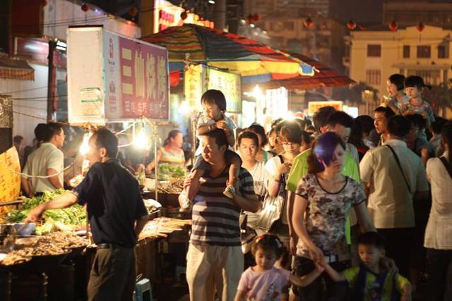 China's Top 10 Night Market Snack Street-Zhongshan Road, Nanning