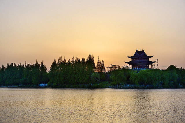 Super Projects In Ancient China-Xiangyang Moat
