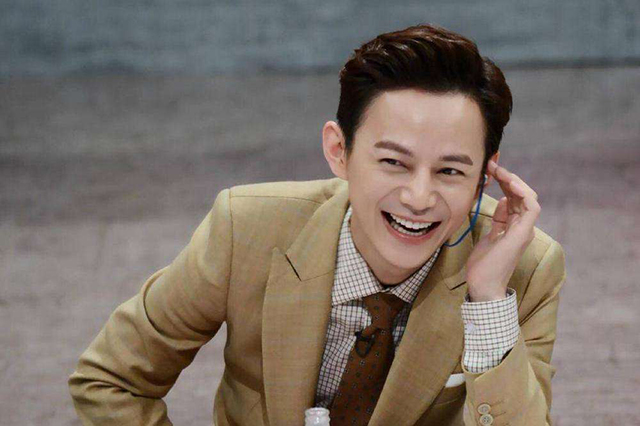 Top 10 Variety Show Hosts In China-hejiong