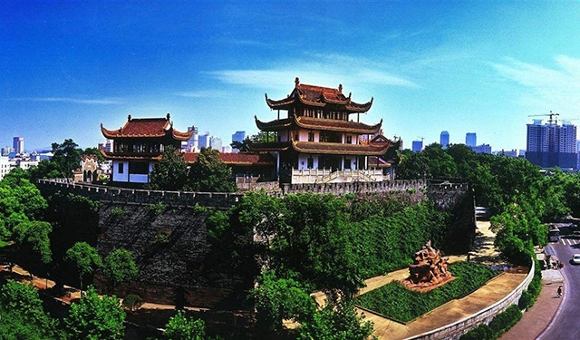 Top 10 Famous Buildings in China-Tianxin Pavilion