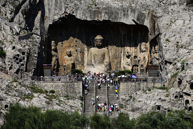 Top 10 Human Landscapes in China-Longmen Grottoes