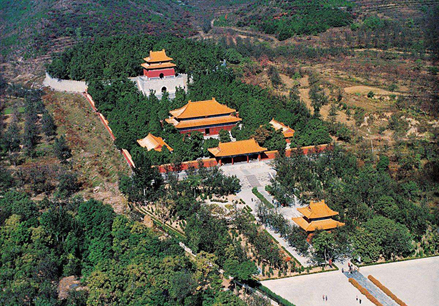 Top 10 Human Landscapes in China-Ming Tombs