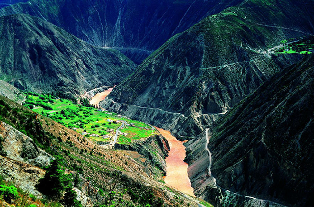 Top 10 Most Beautiful Canyons in China-Lan Cang Jiang Meili Grand Canyon