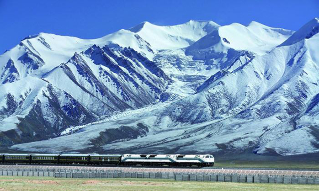 Top 10 Most Beautiful Railway Travel Routes in China-Qinghai-Tibet Railway