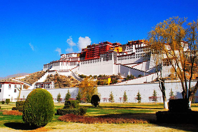 Top 10 City Squares in China-Lhasa Palace Square