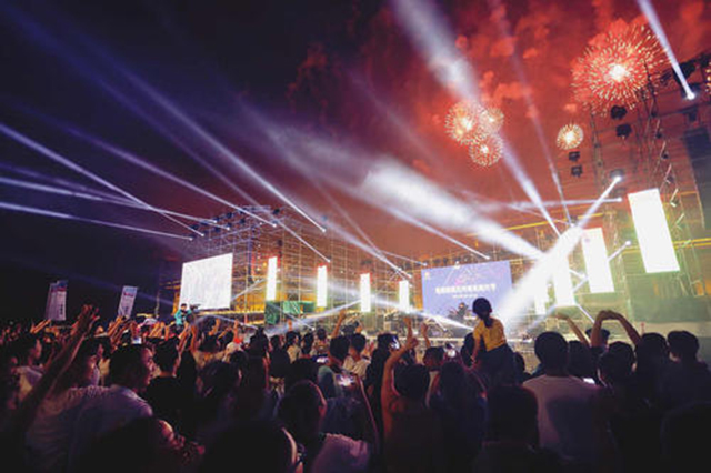 Top 10 Famous Music Festivals in China-Dunhuang Desert Music Festival