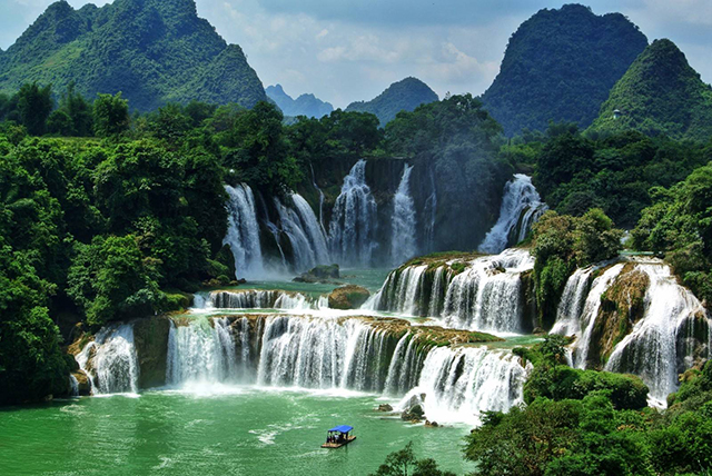 China's Top Ten Waterfalls-Guangxi Detian Waterfall
