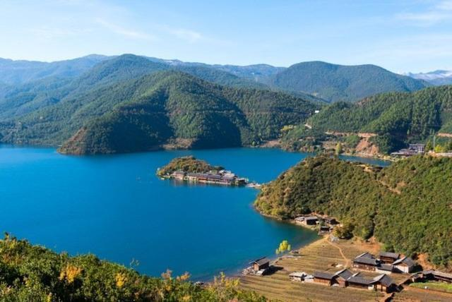 Top 10 Love Holy Places in China-Lugu Lake
